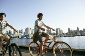 Vida Sana practicando ciclismo